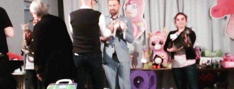 podium-exposition-feline